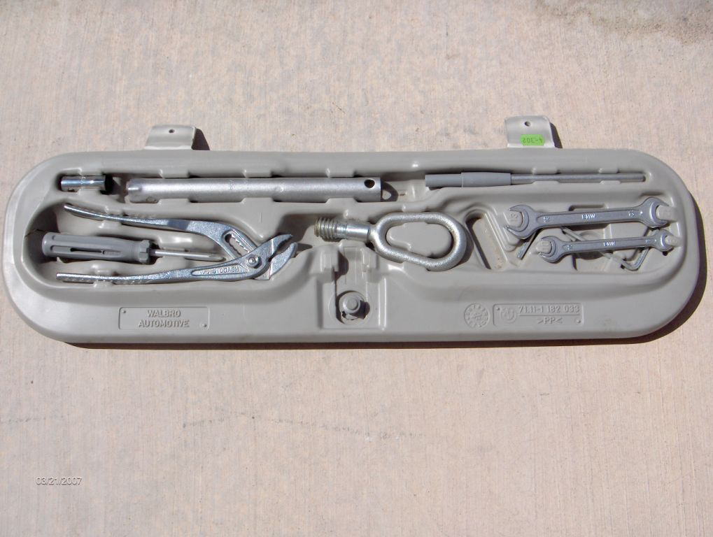 E36_Tool_Set - BMW E36 Trunk Lid Tool Set [USED]
